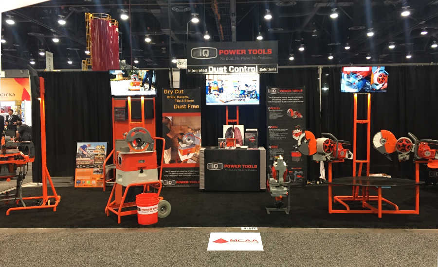 iQ-Tools-booth
