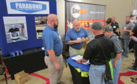 Installers mingle with manufacturers at convention
