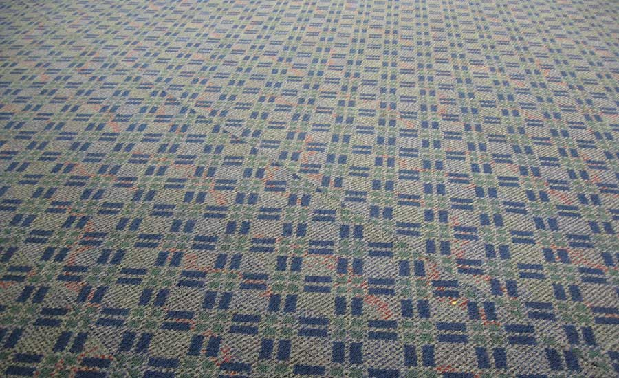 pattern elongation in carpet